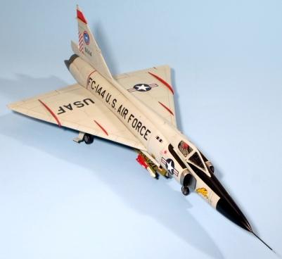 F102A_011