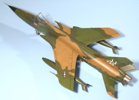 F105D_001