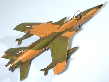 F105D_002