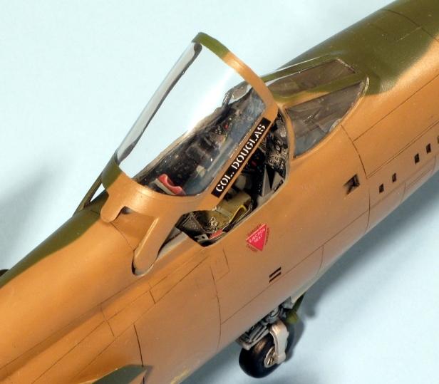 F105D_003