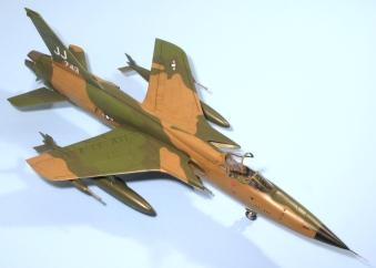 F105D_004