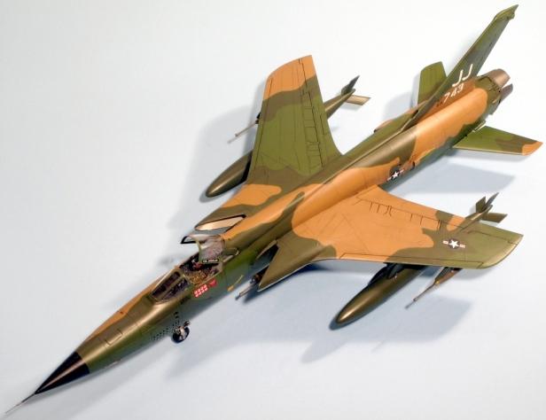 F105D_005