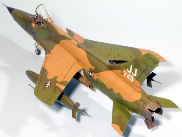 F105D_009