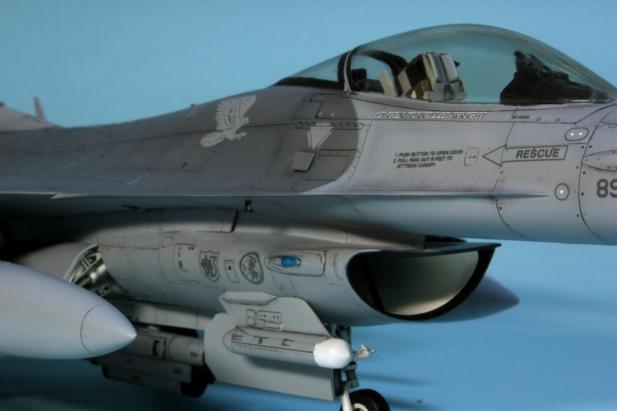 F16CJ_002