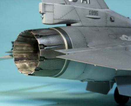 F16CJ_008
