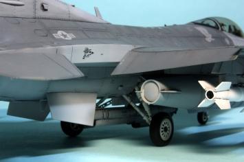 F16CJ_009