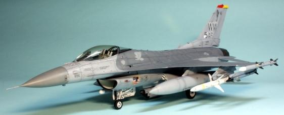 F16CJ_038