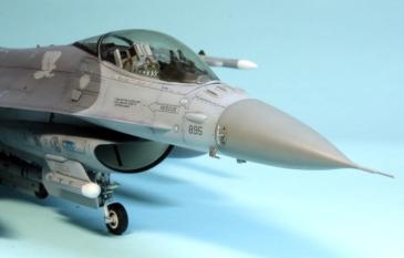 F16CJ_044