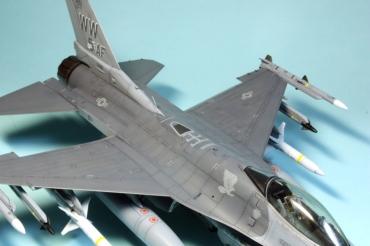 F16CJ_053