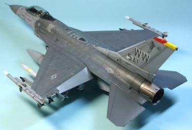 F16CJ_065