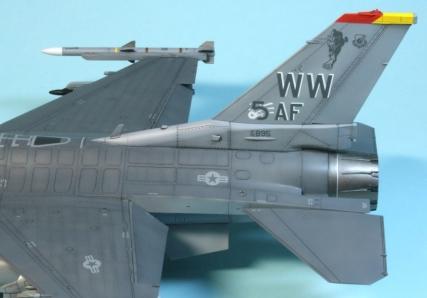 F16CJ_068