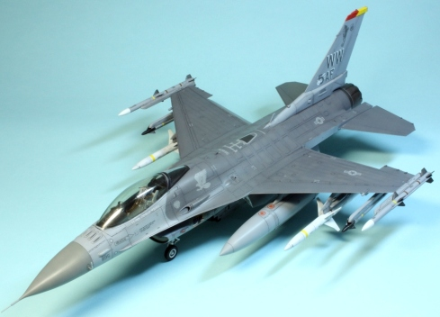 F16CJ_073