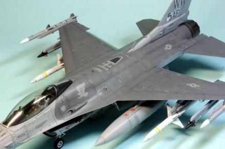 F16CJ_077
