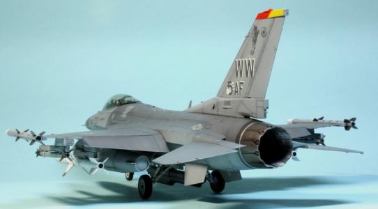 F16CJ_089