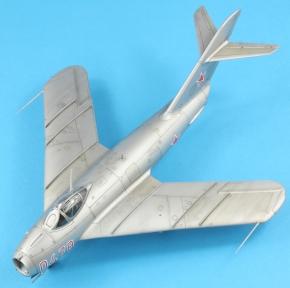 MiG17F_001