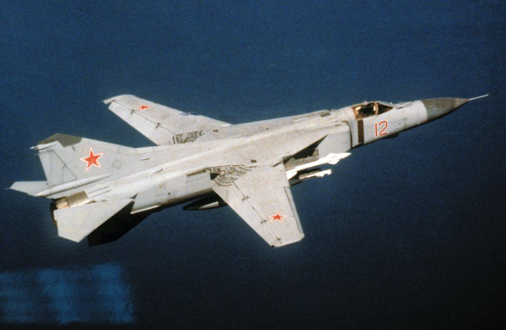 1280px-MiG-23-red12