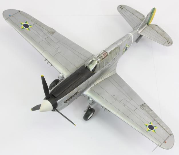 F40E_32