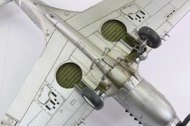 F40E_56