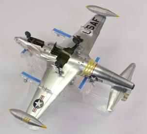 F80C_41