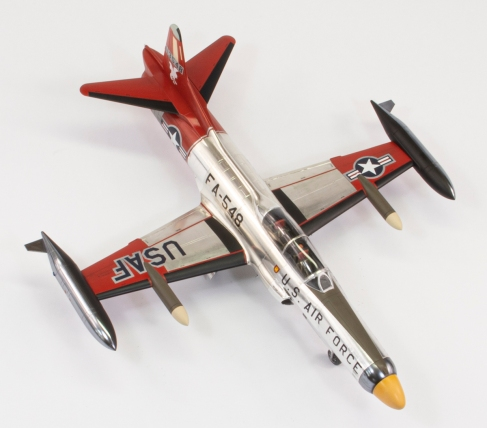 F94C_32